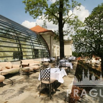Stylish Restaurant Prague - Villa Richter 10