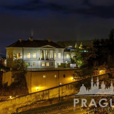 Stylish Restaurant Prague - Villa Richter 8