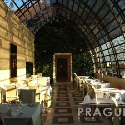 Stylish Restaurant Prague - Villa Richter 9