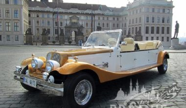 Group Transportation Prague - Antique Cars 4
