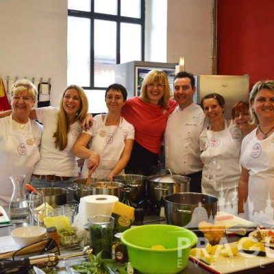 Fun Prague Teambuilding - Cook Your Own Meal 5