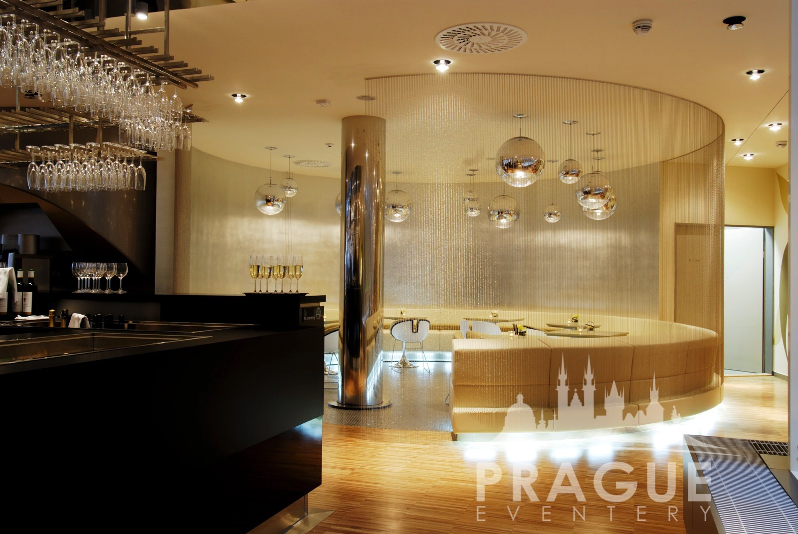Yasmin hotel prague eventery trendy prague group hotel for Cool hotels prague