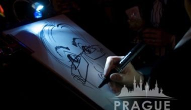 Prague Party Activities - Party Caricaturists 1