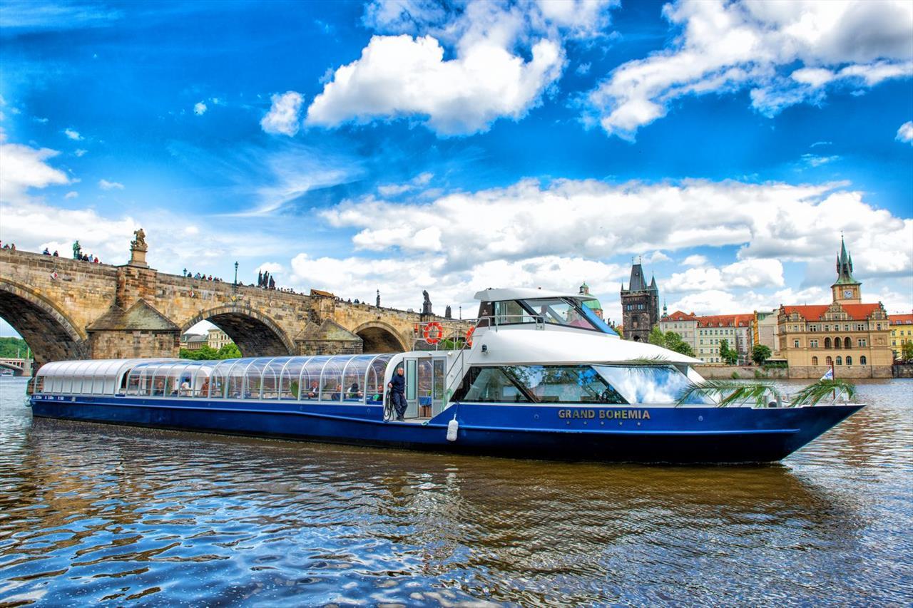 Grand Bohemia Boat Prague Eventery Unique Prague Venue