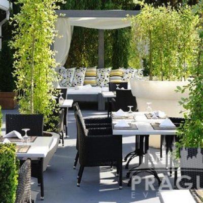 Trendy Prague Restaurant - Soho+ 7