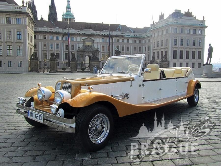 Group Transportation Prague - Antique Cars 4