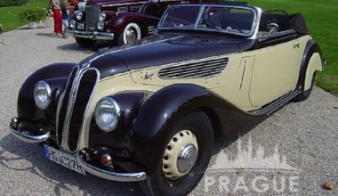 Group Transportation Prague - Antique Cars 5