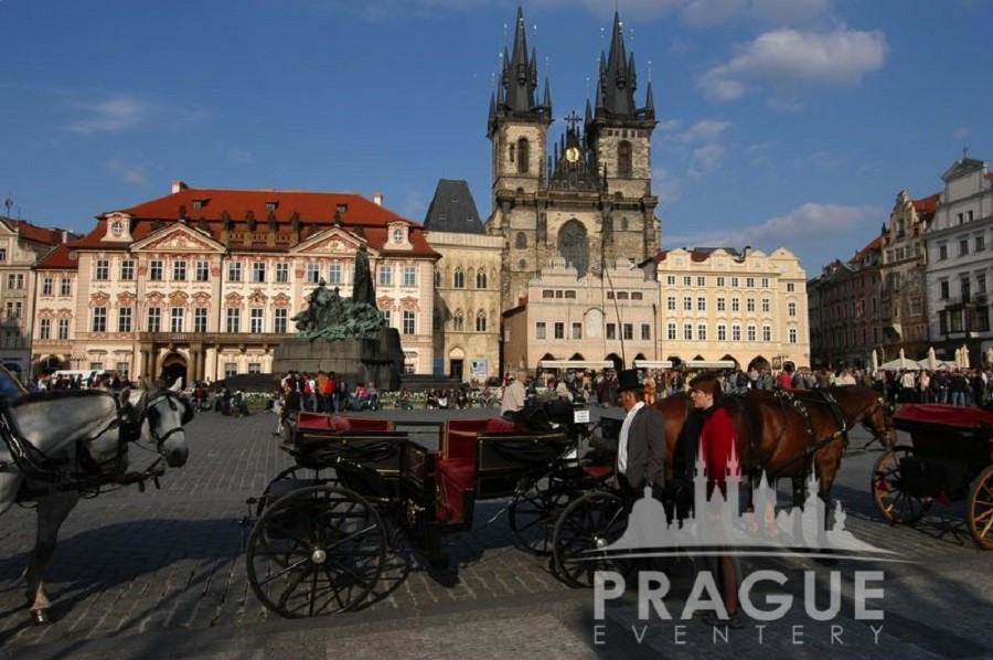 Group Prague Transportation - Horse Drawn Carriages 3