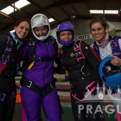 Exciting Teambuilding Prague - Sky Diving 5