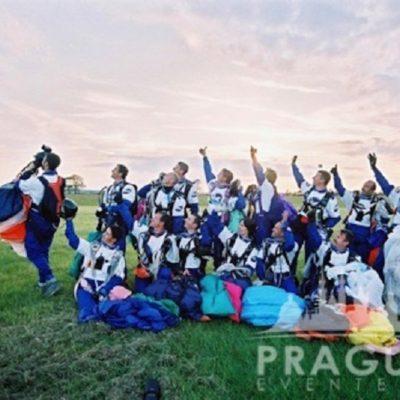 Exciting Teambuilding Prague - Sky Diving 6