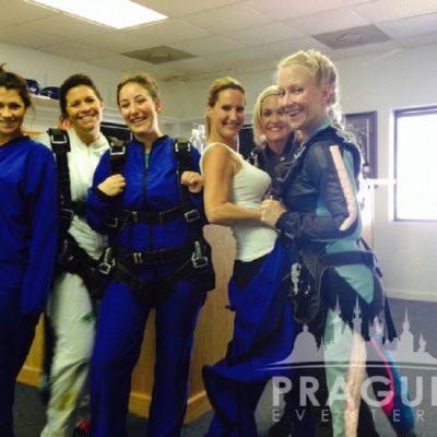 Exciting Teambuilding Prague - Sky Diving 7