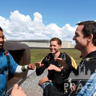 Exciting Teambuilding Prague - Sky Diving 8