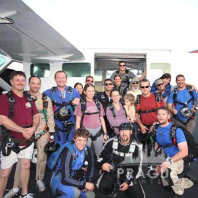 Exciting Teambuilding Prague - Sky Diving 4