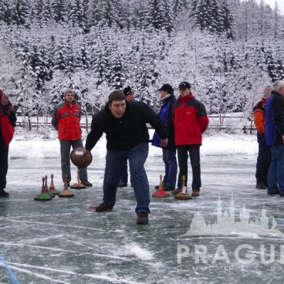 Prague Teambuilding - Ice Stock 8